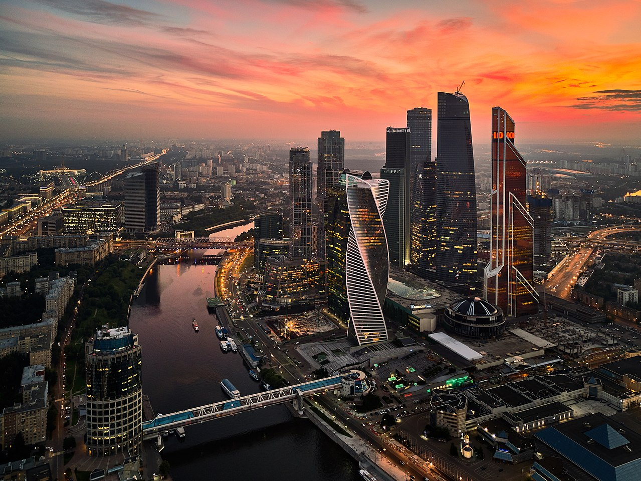 1280px-Moscow-City_36211143494